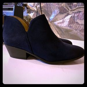 New Navy blue booties